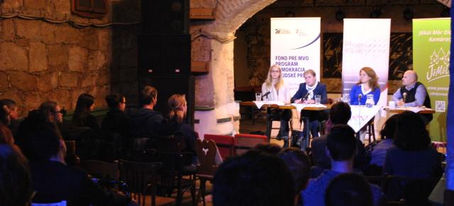 Beszélgetés négy egyetemi klubban / Štyri besedy vo VŠ kluboch